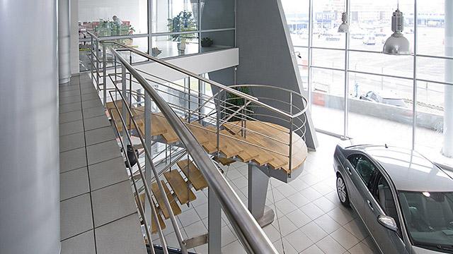Интериорен дизайн - шоурум на Мерцедес-бенц, Бургас - Проектирано от ВЕРТИКАЛИ - Архитектурно и интериорно проектиране