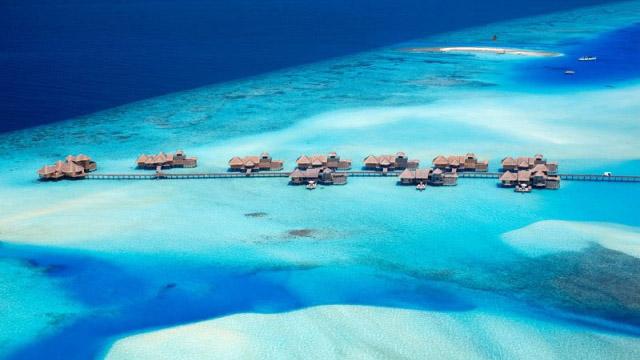 Този резорт на Малдивите е обявен за най-добрия хотел на 2015 от TripAdvisor.